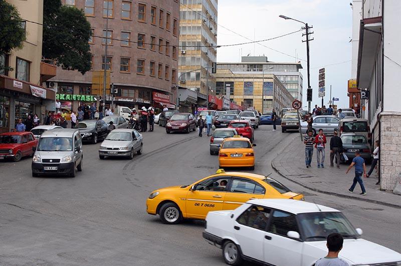 Автомобили в Турции.  Надо быть крайне внимательным!