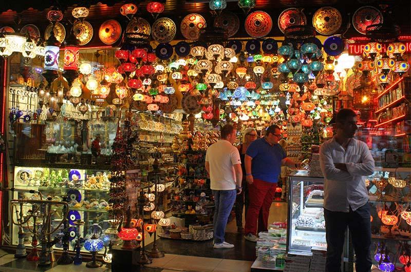 Сувенирная лавка в Сиде
