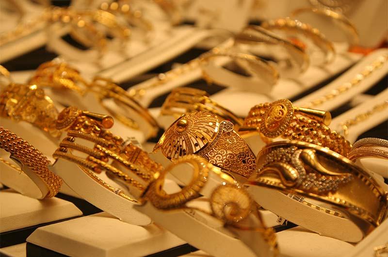 Турецкое золото на рынке в городе Кайсери