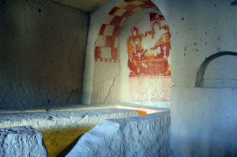 """Некоторые """"простые"""" фрески выполнены охрой."""