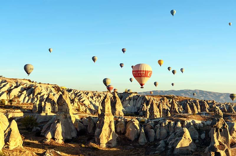 Воздушные шары в Каппадокии  около Гёреме.