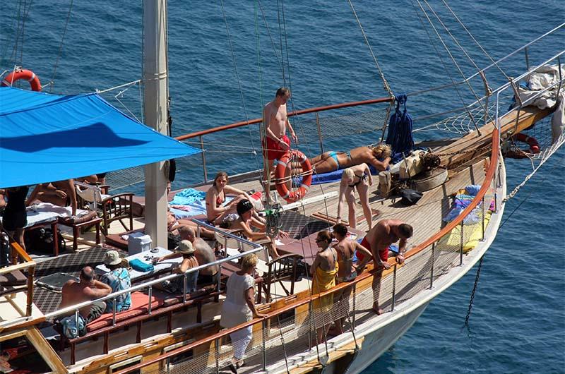 Прогулка на яхте в Алании.