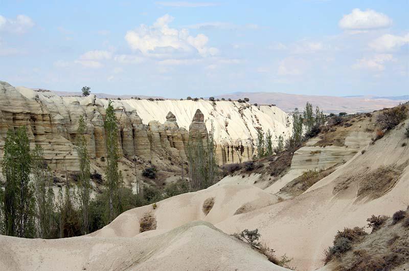 Вид на Медовую долину со стороны Учхисара.