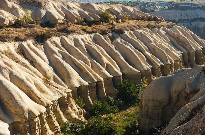 Вид на долину, если идти со стороны Учхисара.