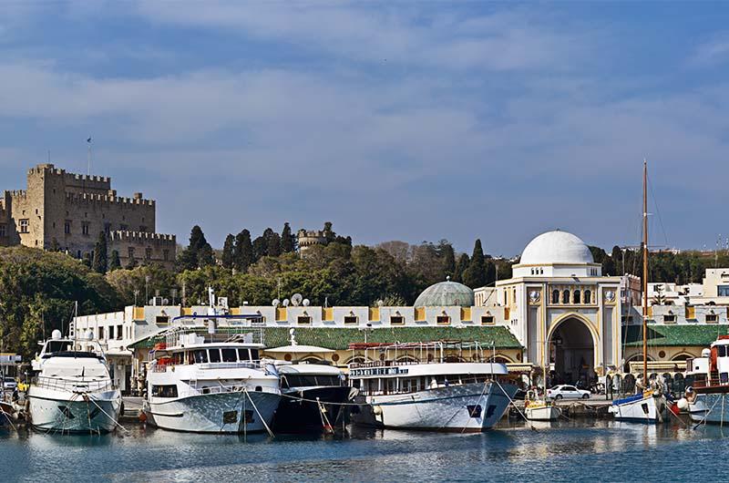 Старый город на острове Родос (Греция).