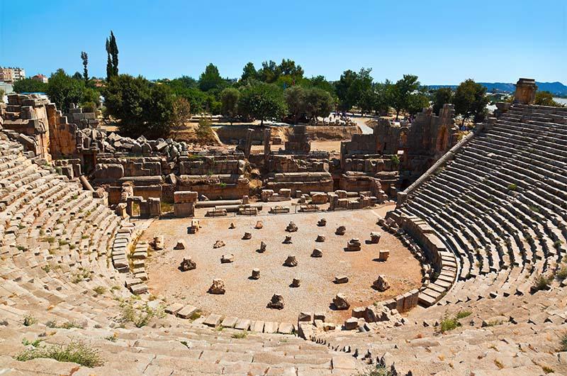 Амфитеатр в древнем городе Мира.