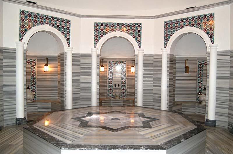 Камень живота в хамаме.
