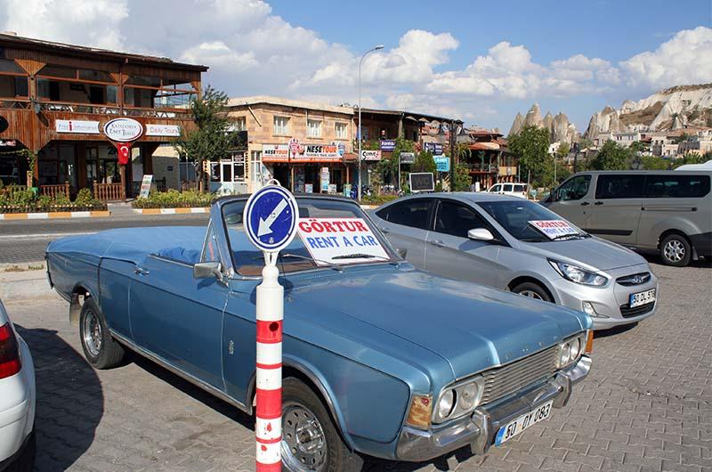 Авто от местных контор в Гереме (Каппадокия).