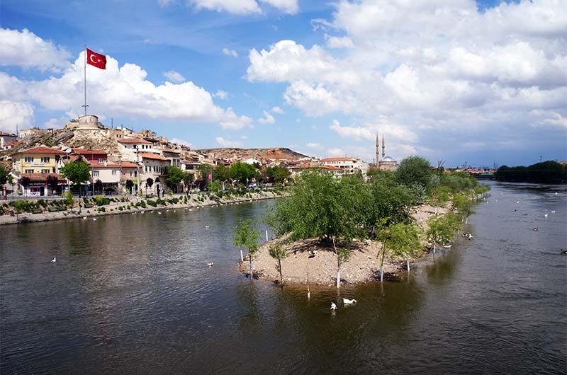 Вид на город Аванос.