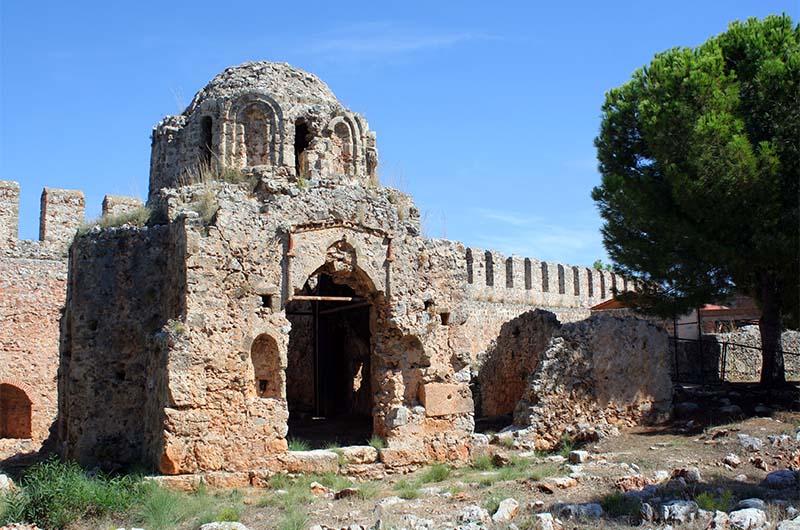 Церковь Святого Георгия в крепости Ичкале.