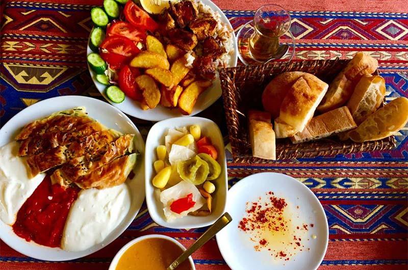 В кафе Nazar Borek & Cafe (Гёреме).