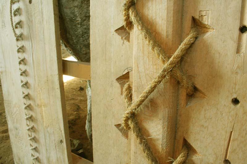 Еще один из вариантов соединения деревянных деталей.