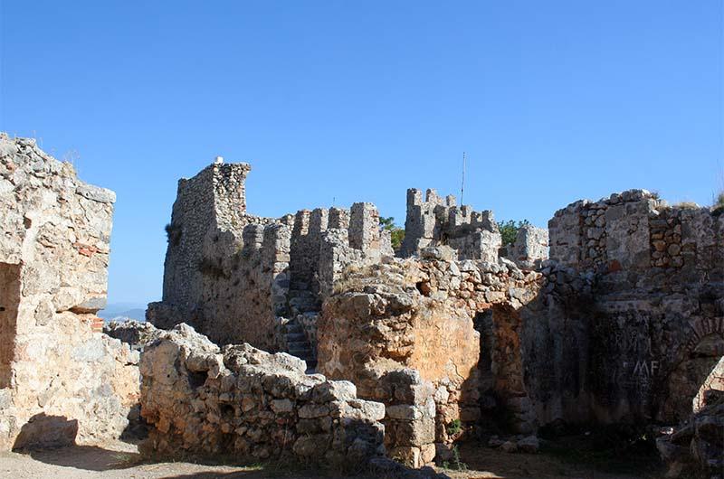Еще один вид на крепостные стены.