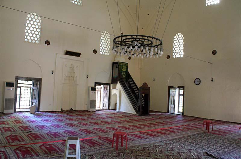 Мечеть Сулейманийе внутри.