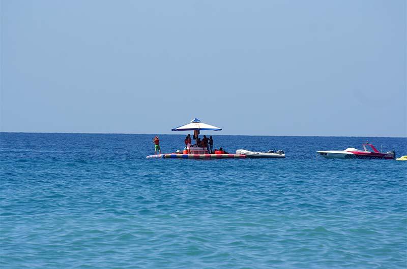 Вид на море с пляжа Клеопатры.