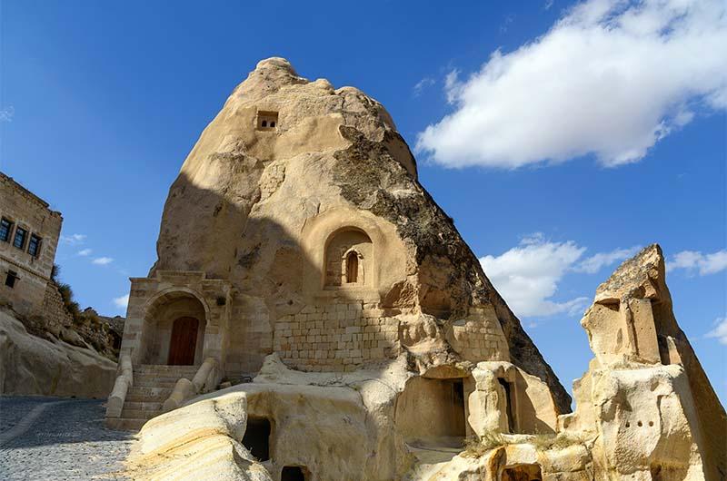 Пещерная церковь, в которой молился святой Иоанн Русский.