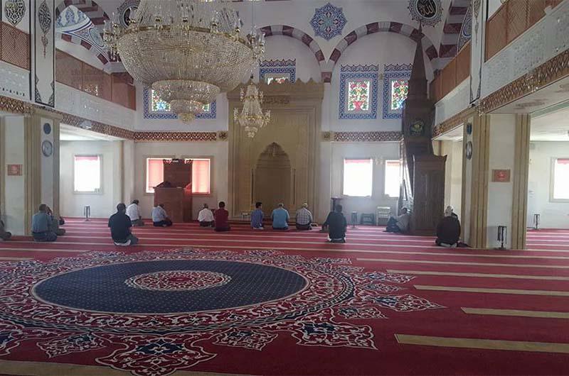 Внутри мечети Мусалла.