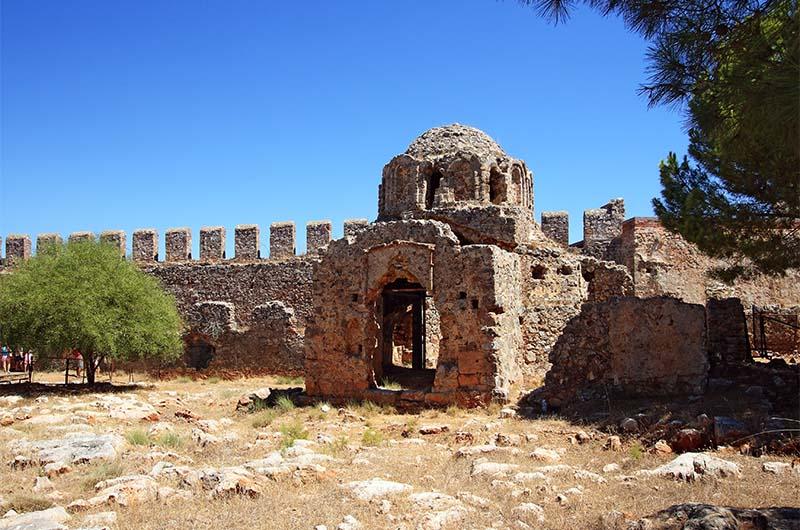 Византийская церковь внутри крепости Ичкале.