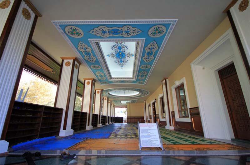 Современная мечеть Куюлареню.