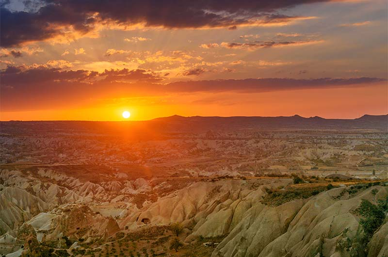 Закат над Красной долиной в Каппадокии.