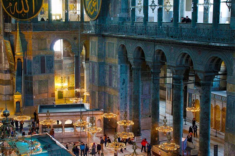 Интерьер собора Айя-София. Вид с верхней галереи.