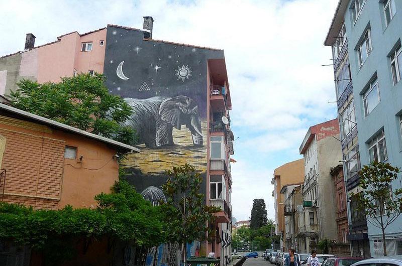 Граффити в азиатской части Стамбула.