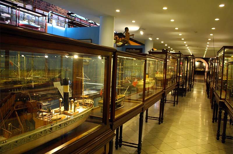Экспонаты на второй территории музея.