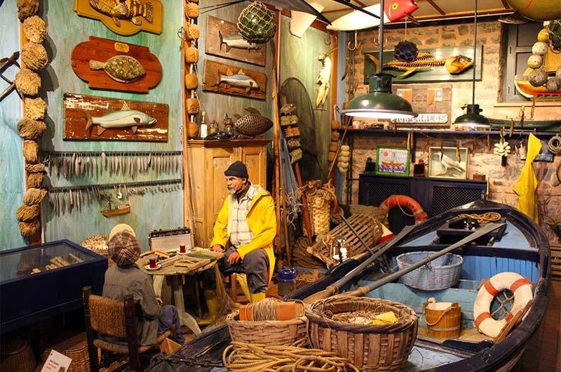 Воссозданный интерьер каморки рыбака.