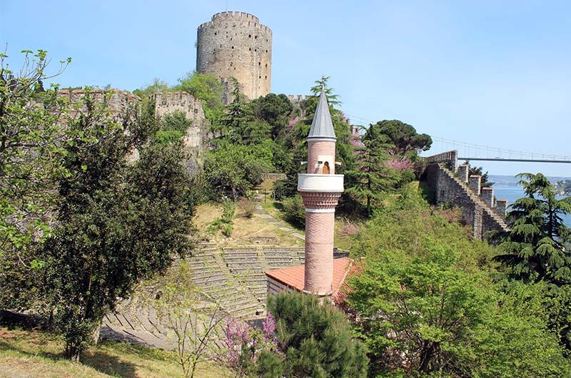 Мечеть на территории крепости.