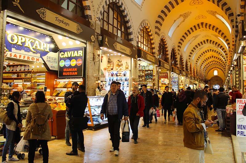 Египетский базар внутри.