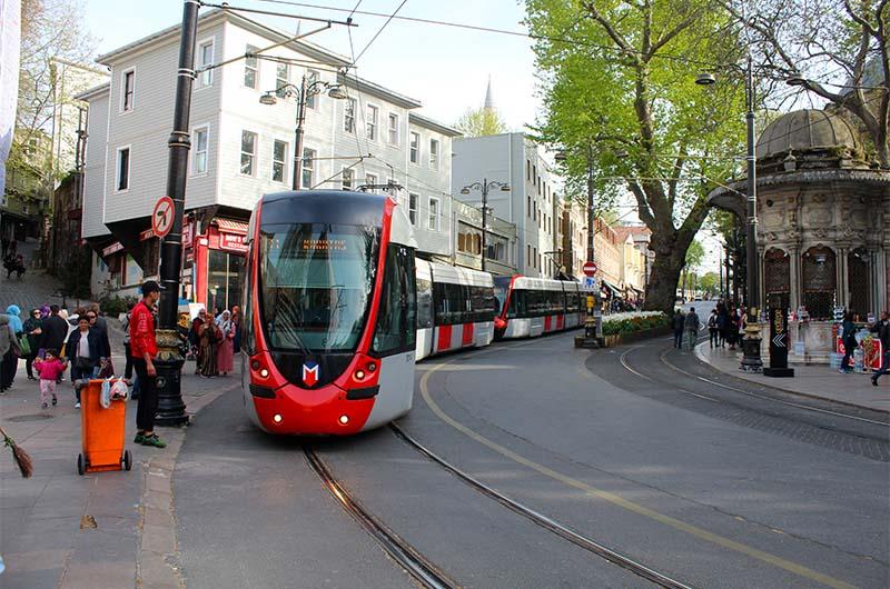 Стамбульский скоростной трамвай.