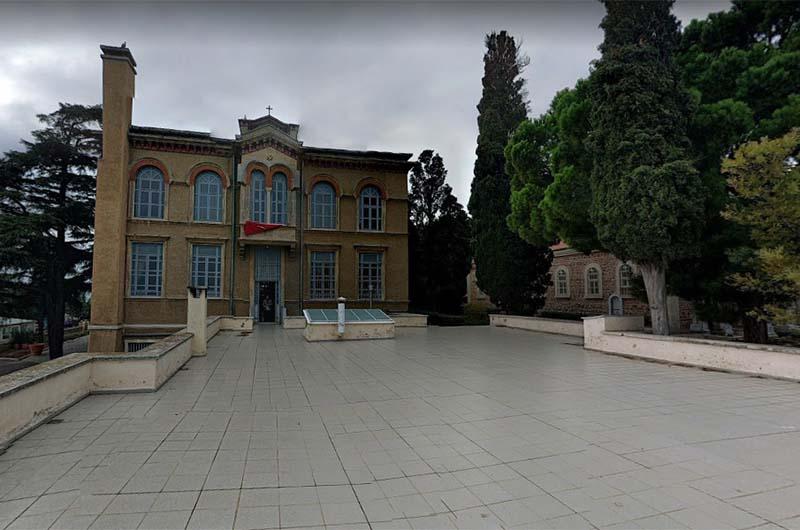 Территория монастыря.