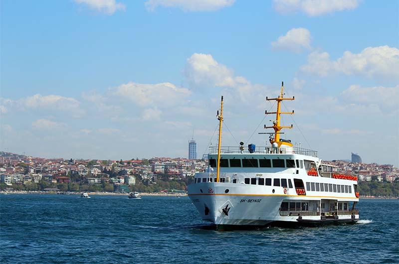 Паромы в Стамбуле.